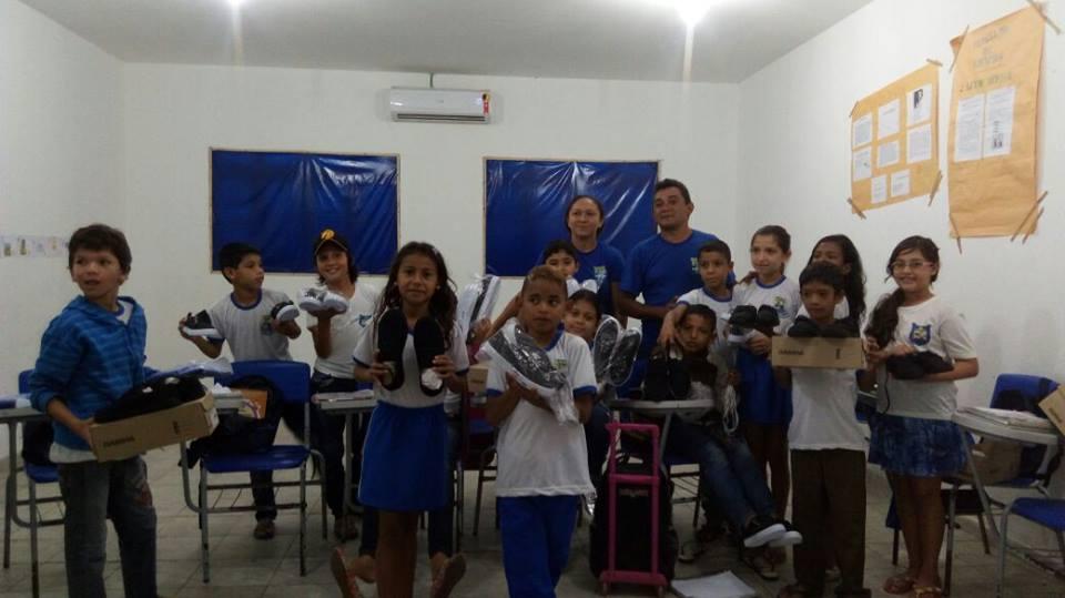 Entrega do fardamento escolar – Escola Municipal Paulino Francisco de Souza