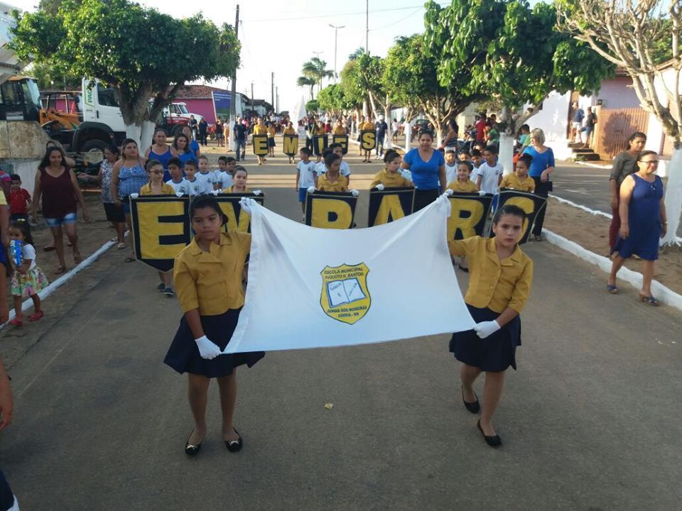 Desfile Cívico em Jundiá
