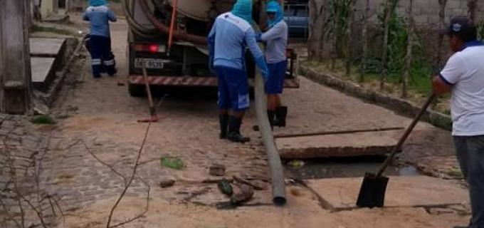 Conclusão do trabalho de desobstrução da rede de esgoto destinada às águas pluviais e servidas de Santa Fé