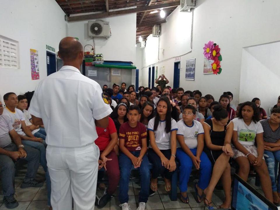 Representantes da Marinha realiza visita em nosso município.