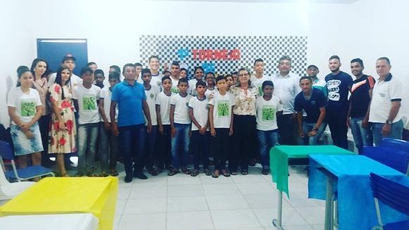 Escola Municipal Iberê Ferreira de Souza realiza torneio de xadrez.