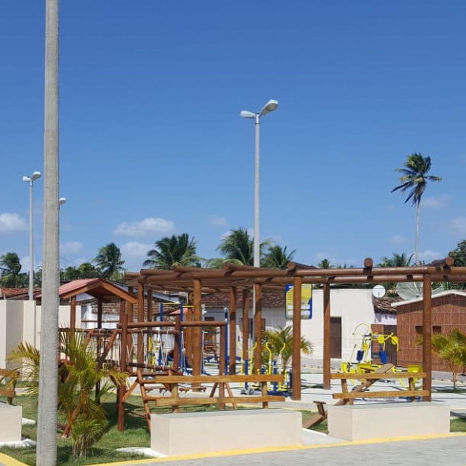 A Praça Pública do Distrito de Santa Fé está oficialmente confluída.