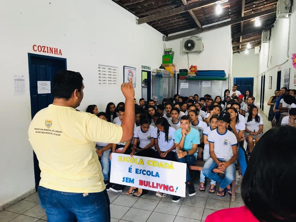 Profissionais do NASF e PSF reafirmam o compromisso do Programa Federal Saúde nas Escolas do município de Jundiá ,abordando o Tema: BULLYING.