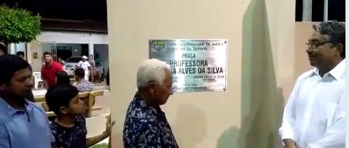 Inauguração da Praça de Santa Fé, que recebeu o nome da Professora Almira Alves da Silva.