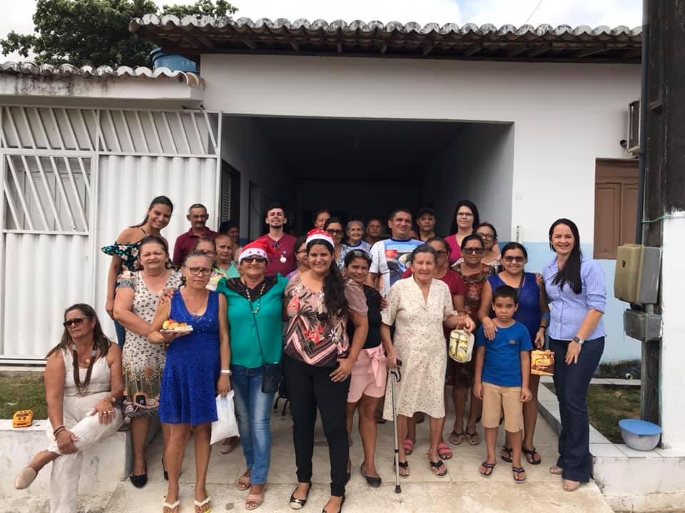 Pacientes da Fisioterapia juntamente com os profissionais do NASF  realizam a Confraternização.