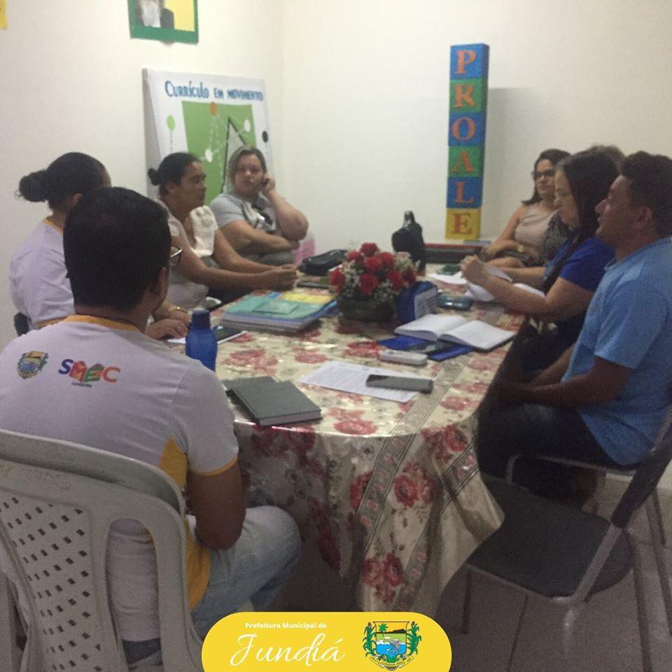 Educação participa de um momento sobre orientações do Projeto de Alfabetização e Letramento.