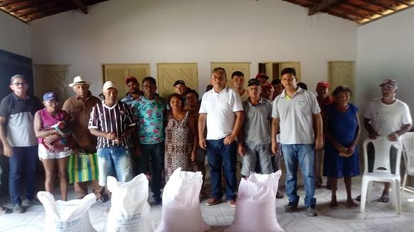 Entrega de Sementes na Comunidade de Arisco dos Pires.