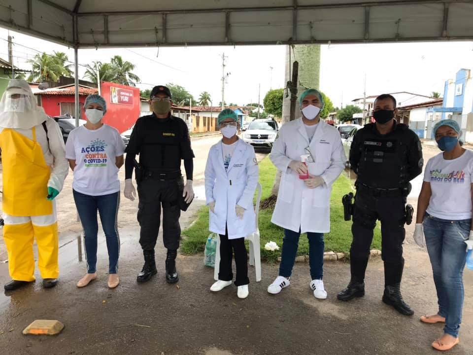 Equipe da Saúde em parceria com a Polícia Militar realizam Barreira Sanitária na entrada do município.