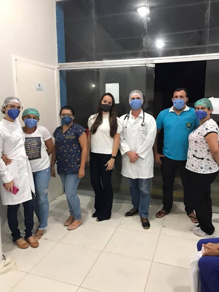 Prefeitura através da Secretaria de Saúde implantou o Programa Saúde na Hora.