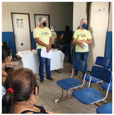 Momento de acolhimento com os pacientes que aguardavam a coleta da sorologia para a COVID 19