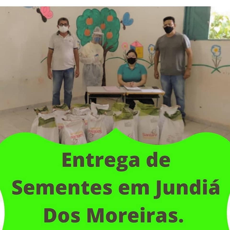 ENTREGA DE SEMENTES EM JUNDIÁ DOS MOREIRAS